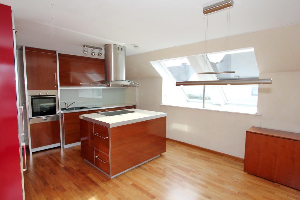 Wohnküche mit Fenster im Süden