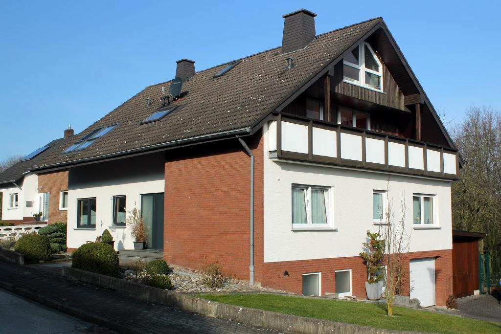 modernisiertes Zweifamilienhaus