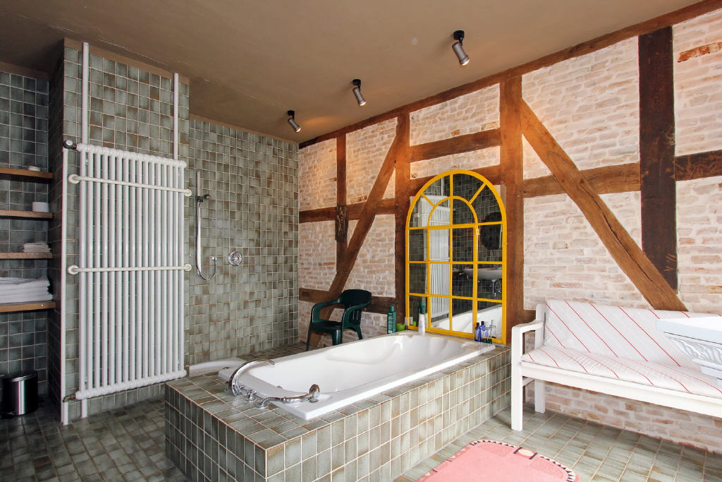 bodentiefe Dusche u. Fußbodenheizung