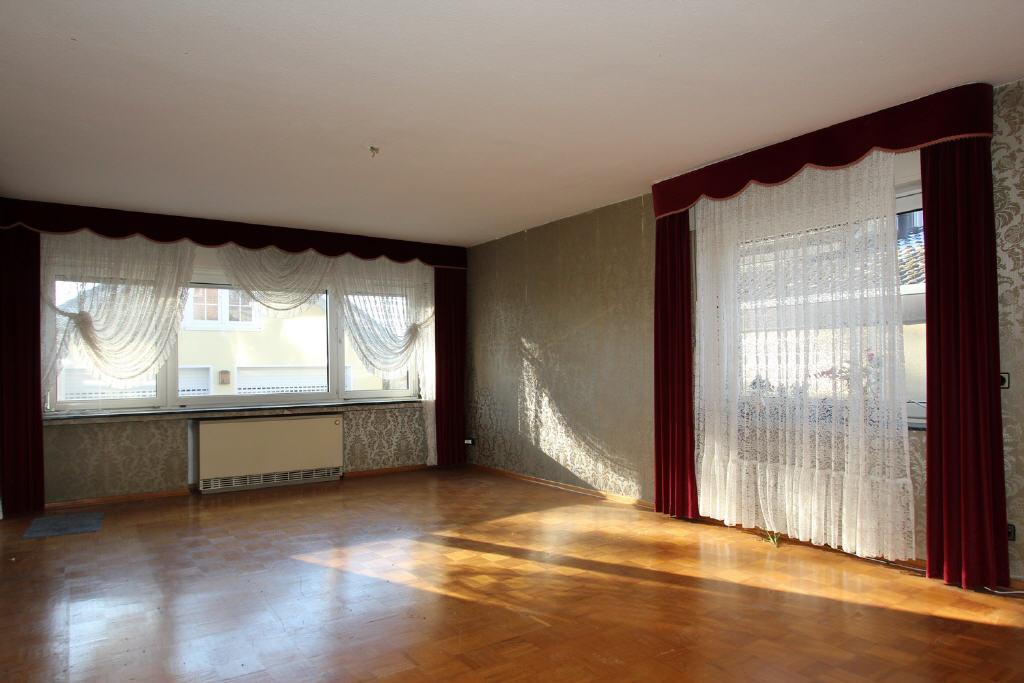 Mosaik-Eichenparkett im Erdgeschoss