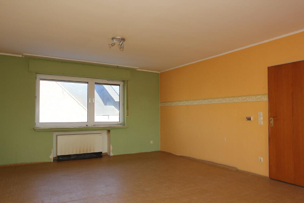 Essbereich des 48 m² großen Wohnzimmers