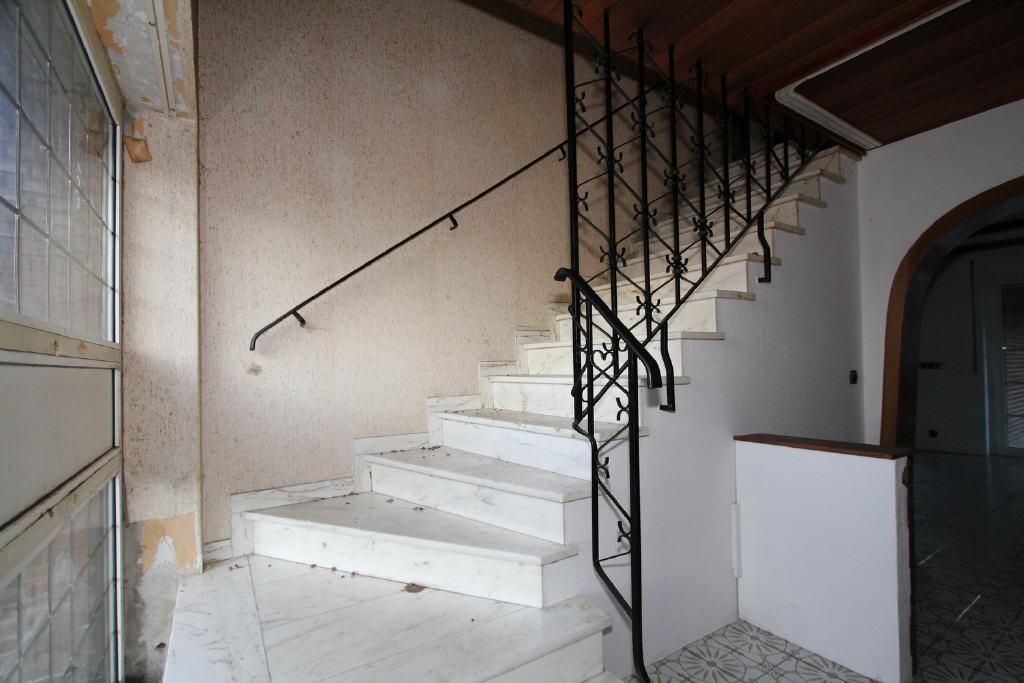 Marmorstufen im Treppenaufgang DG