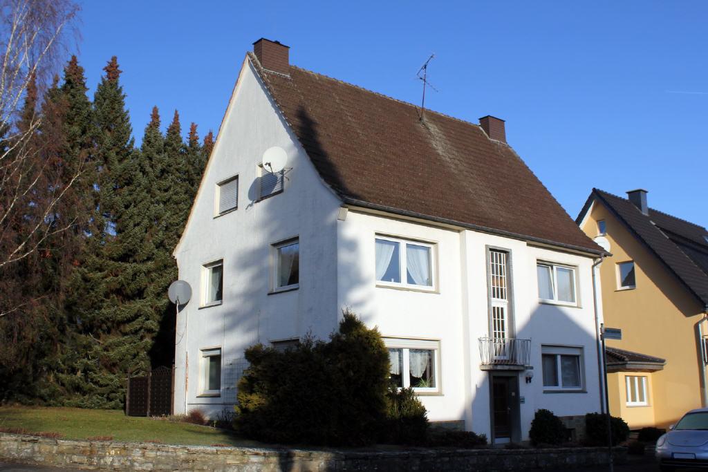 Freistehendes Dreifamilienwohnhaus