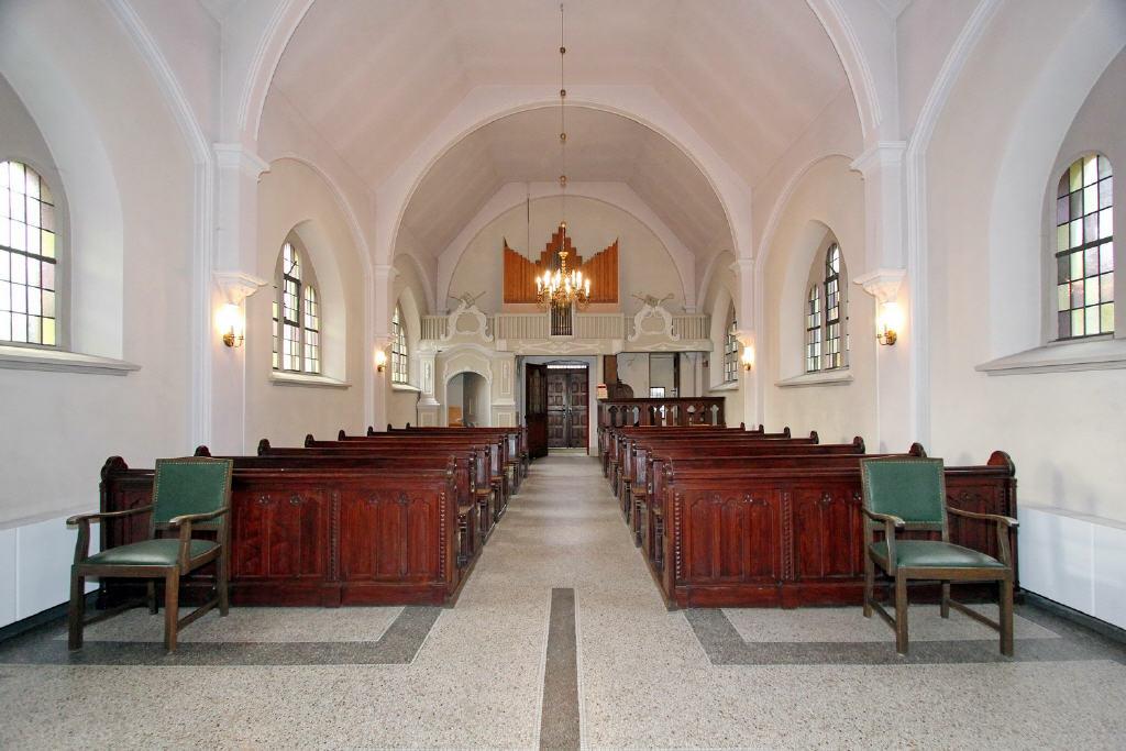 Blick vom Chor in den Kirchraum