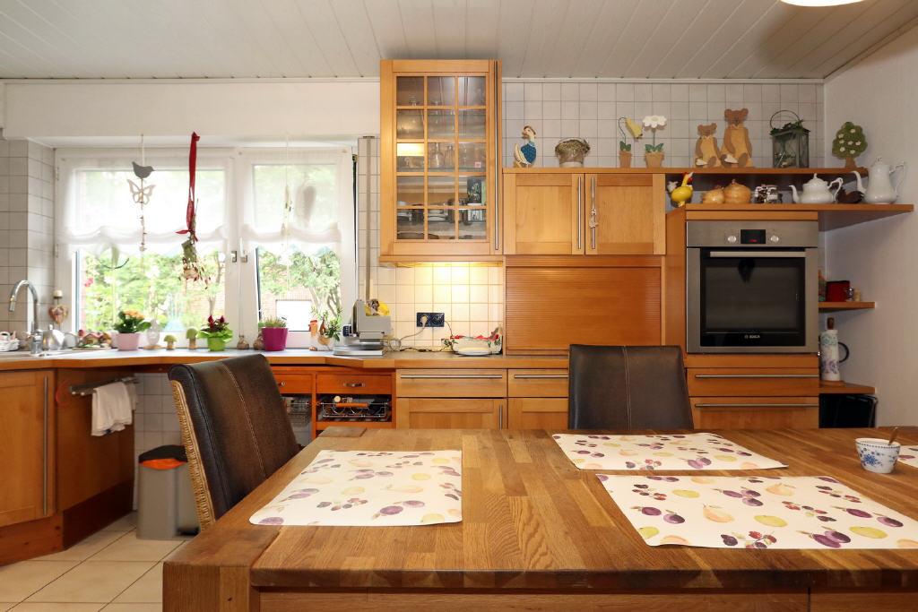 Einbauküche mit E-Geräten