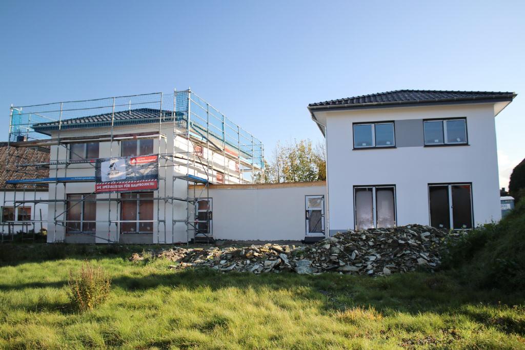 2 Neubau-Einfamilienhäuser