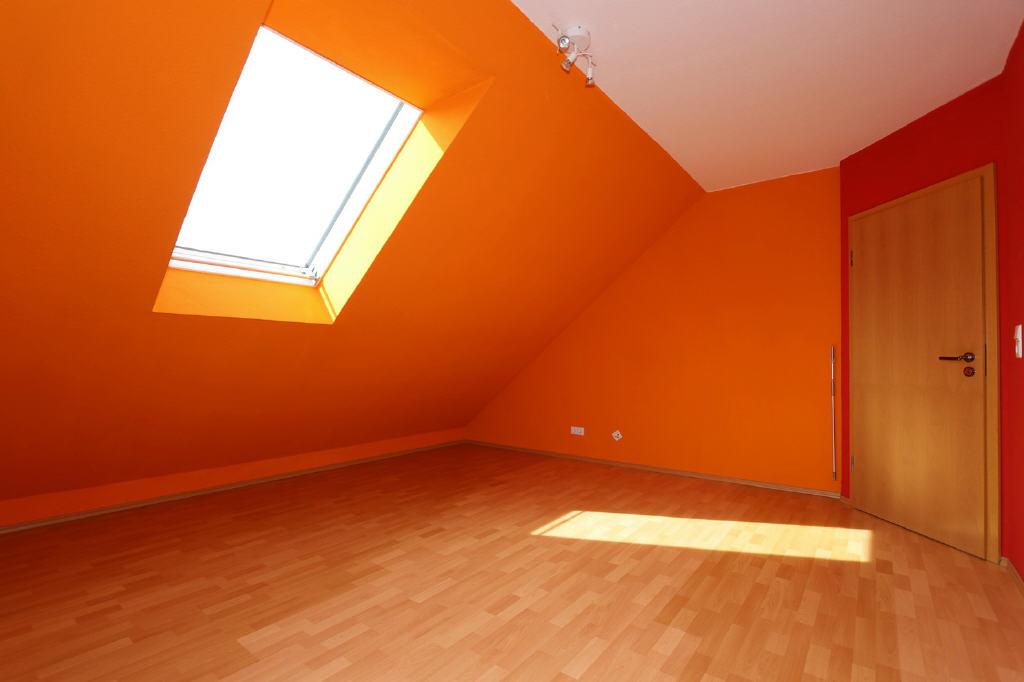 Schlafzimmer mit Dachflächenfenster