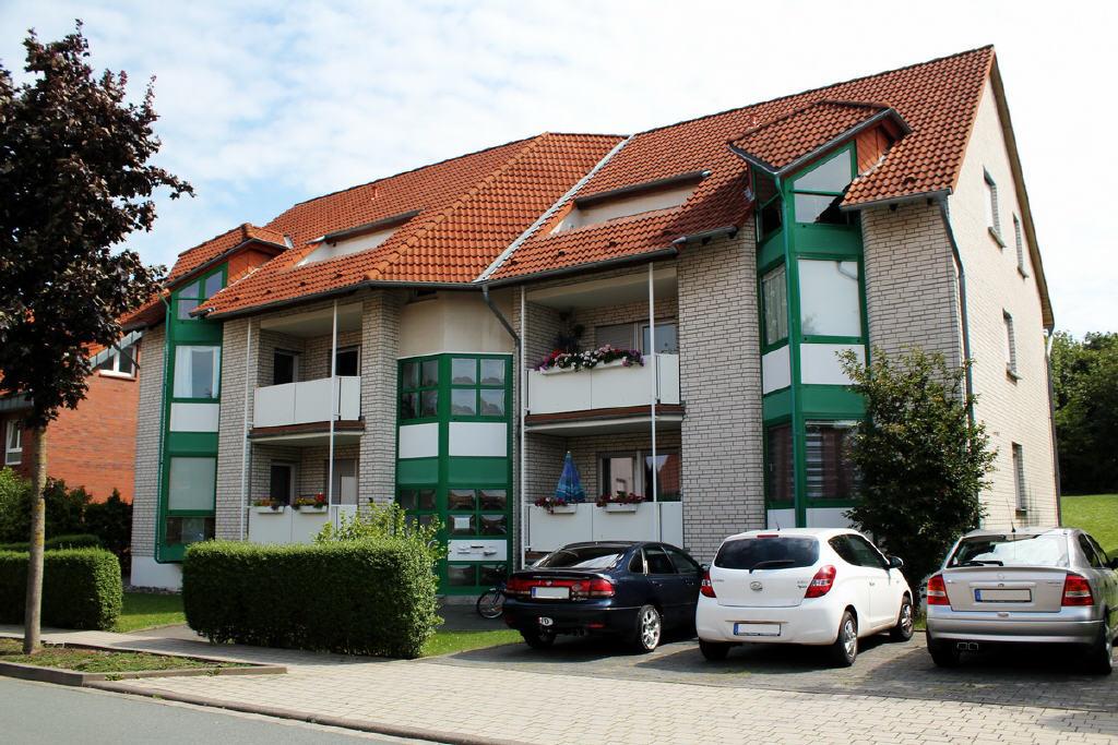 große EG-Wohnung mit einer Loggia