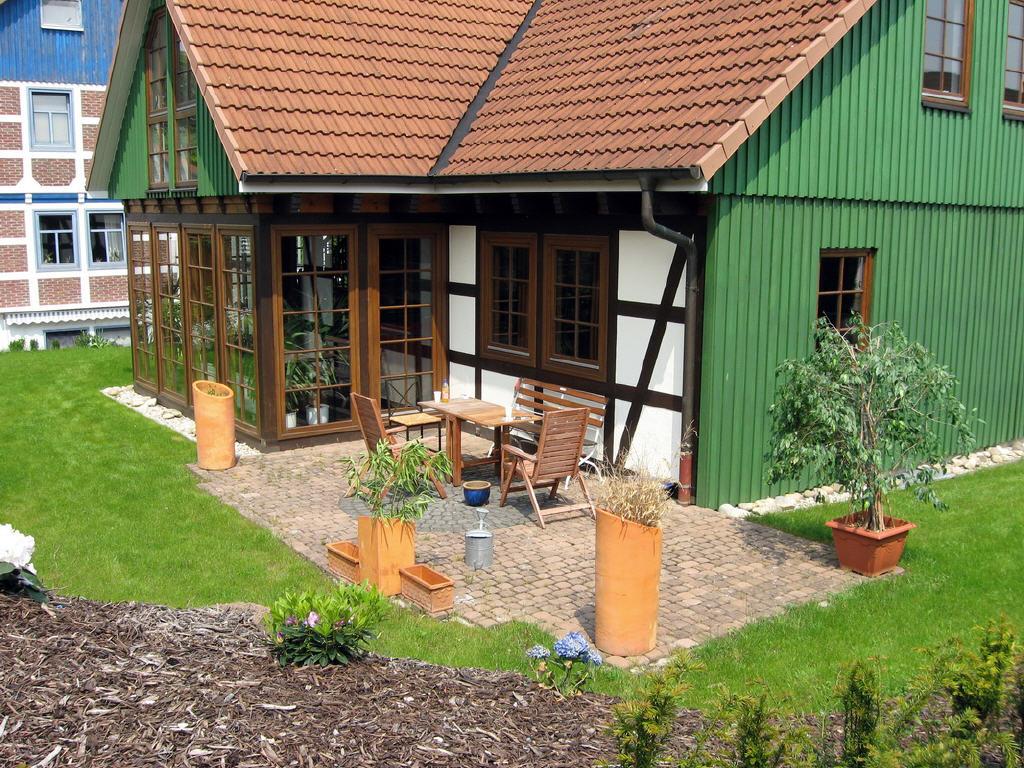 neu gestalteter Garten mit Sonnenterrasse
