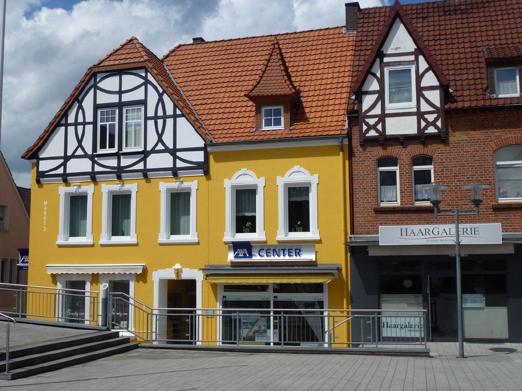 modernisiertes Wohn- u. Geschäftshaus