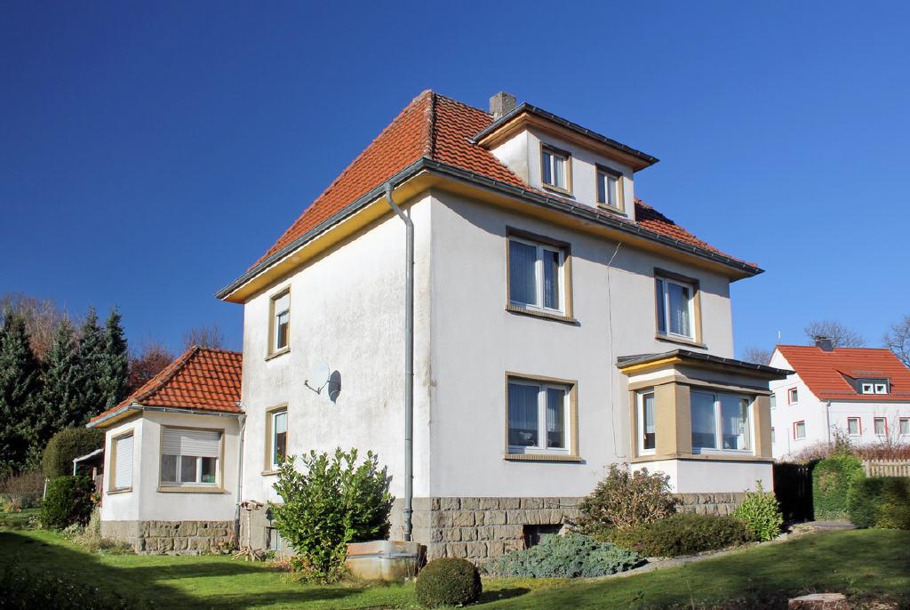 stattliches Wohnhaus im Stil der 1930er Jahre