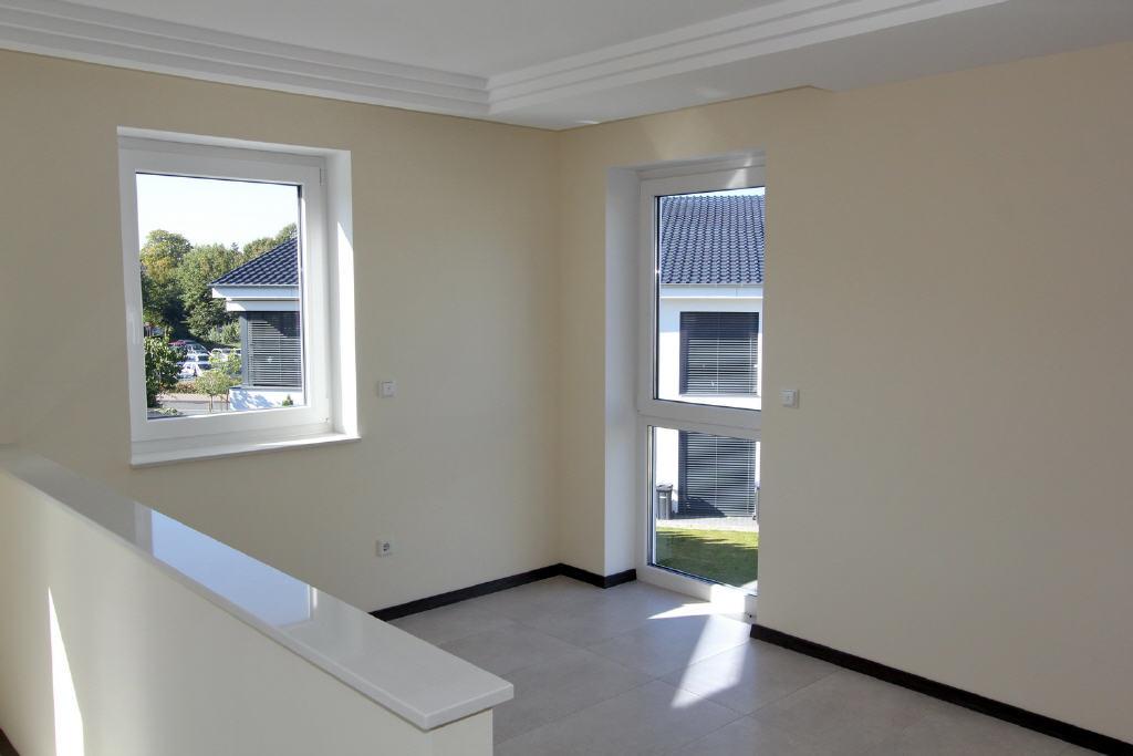Essbereich gegenüber der Wohnküche
