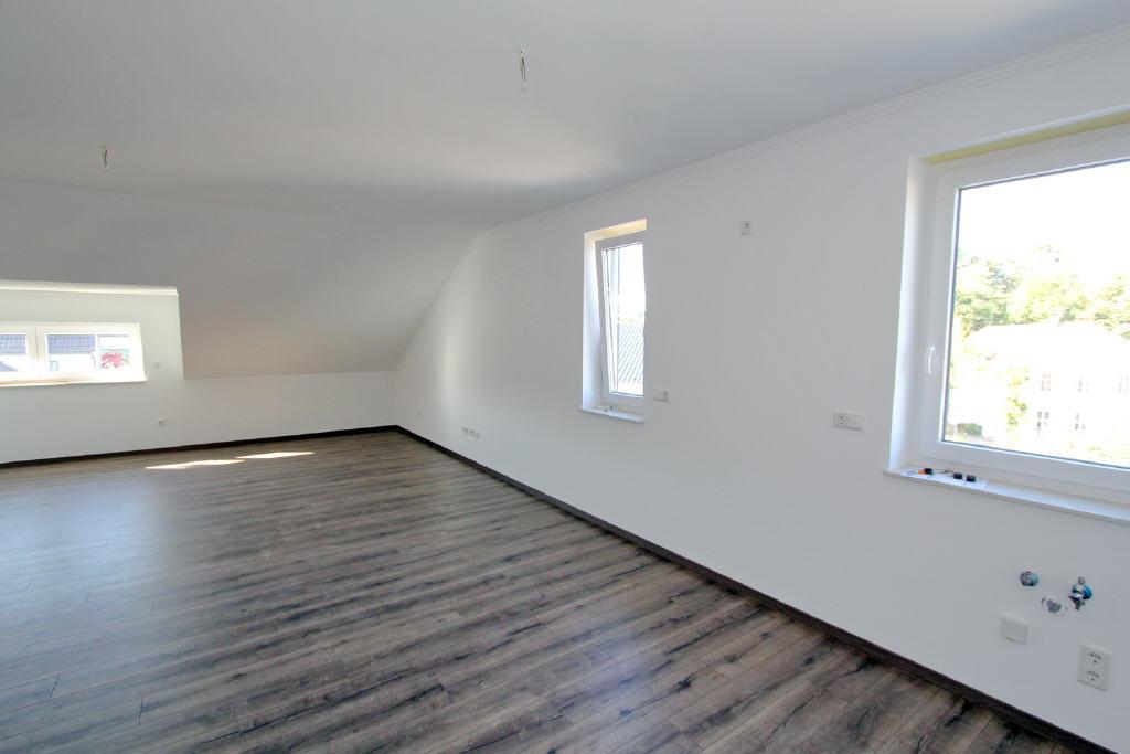 35 m² multifunktionaler Raum (z. B. Schlafen, Hobb