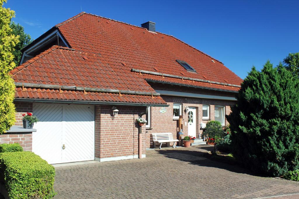EG-Eigentumswohnung mit Garage
