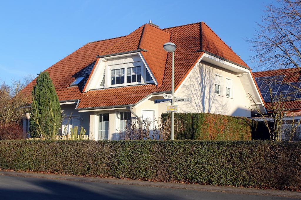 Erd-, Dach- und Souterrainwohnung