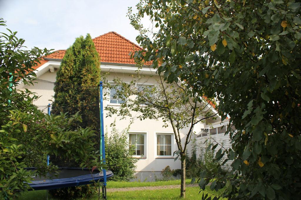 Garten jeweils für EG- und DG-Wohnung