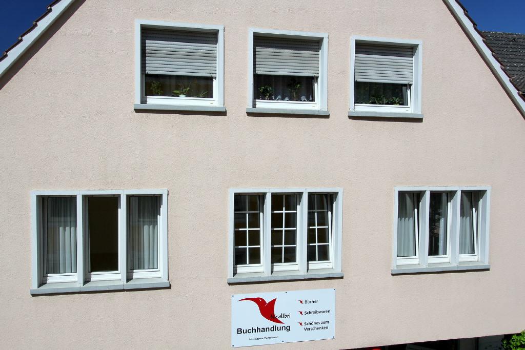 Fensterfront des Wohnzimmers