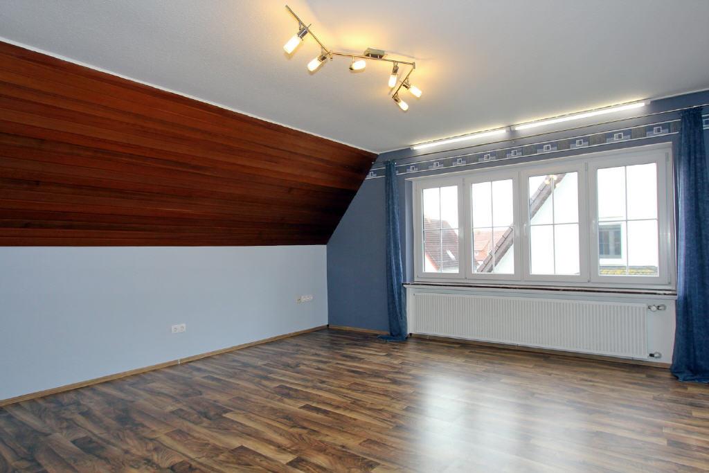 2. großes Wohn-/Schlafzimmer