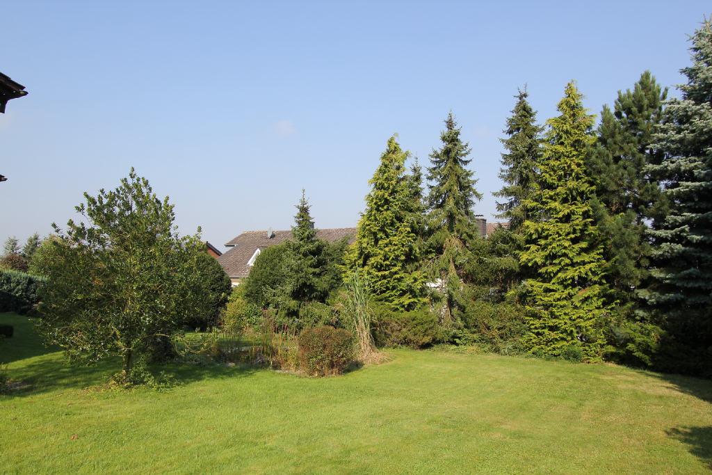 große Gartenanlage mit hohem Freizeitwert