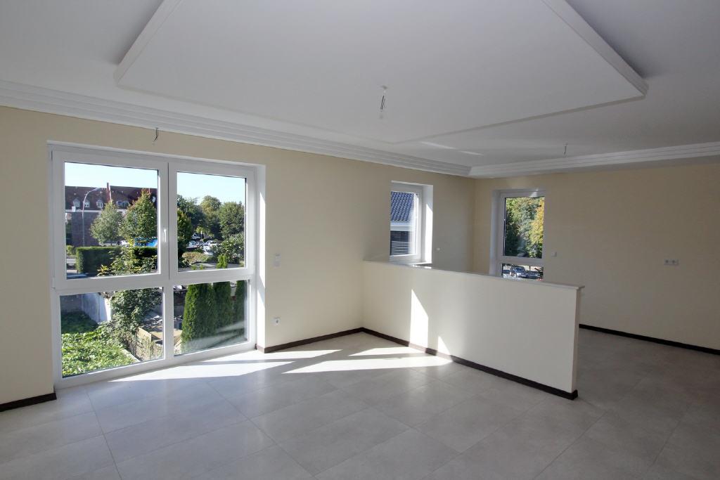 Wohn-/Esszimmer mit Wohnküche