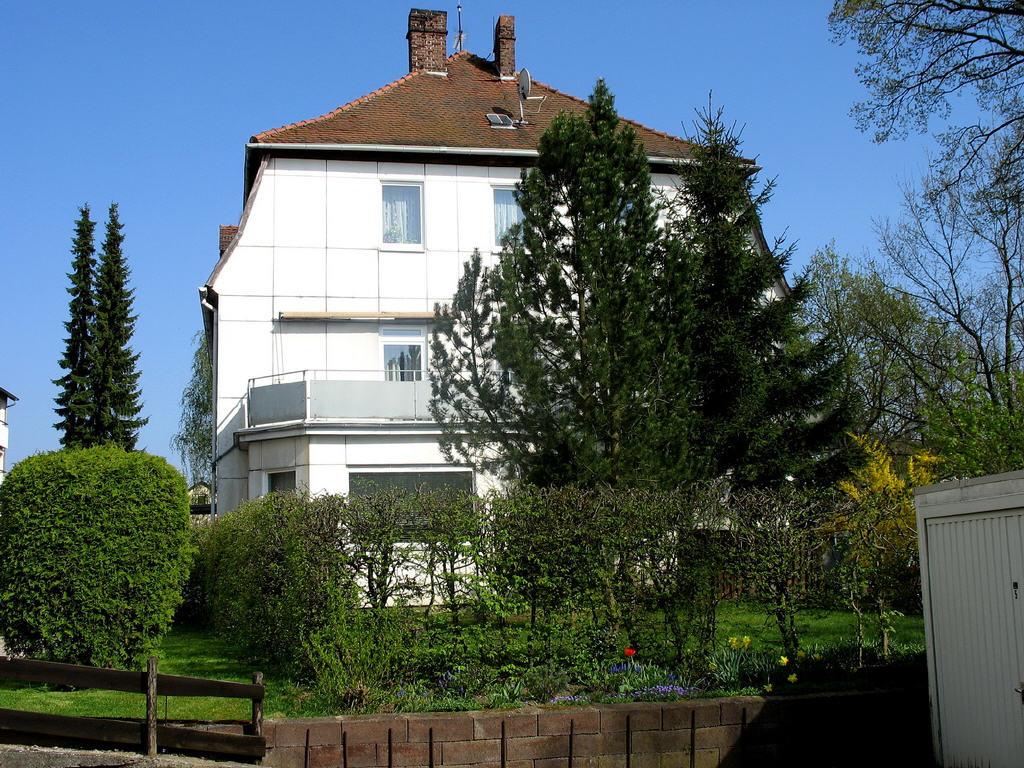 EG-Whg. mit Terrasse und Garten