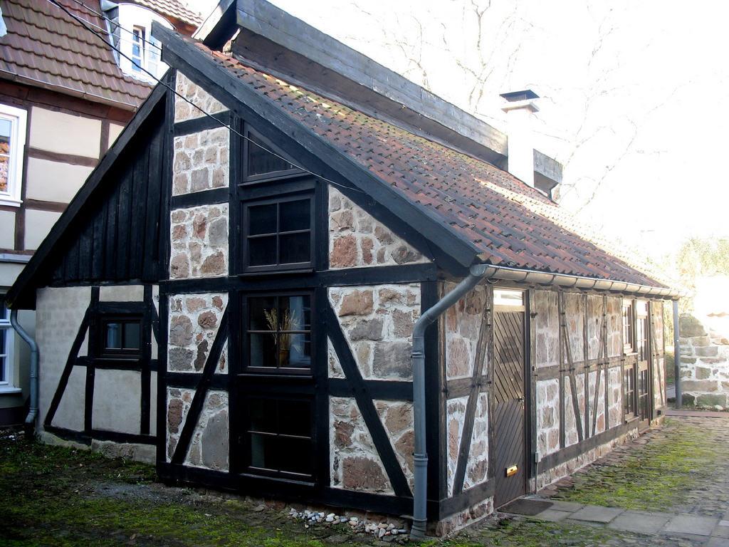 restauriertes Gartenhaus