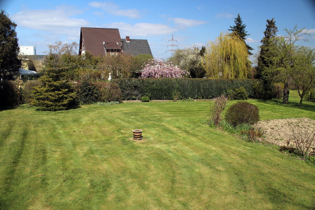 große Gartenanlage