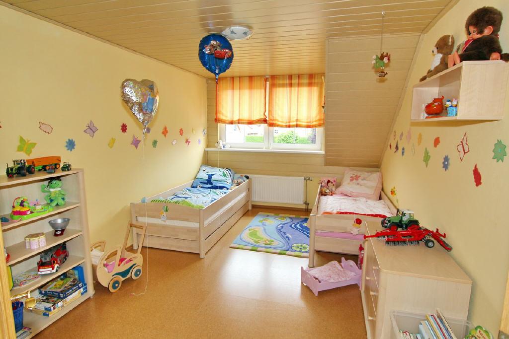 Kinderzimmer mit Dachgaube
